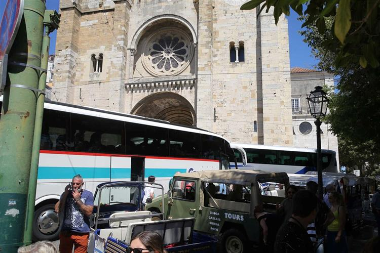 Autocarros turísticos - Lisboa