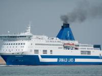 Grimaldi compra terminal ro-ro de Savona