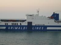 Grimaldi liga Valência e Civitavecchia