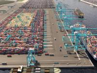 "APM anuncia ""zero emissões"" no terminal Masvlakte II"