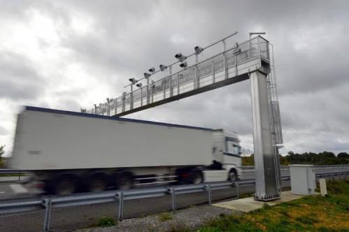 Alemanha e França sobem portagens para camiões
