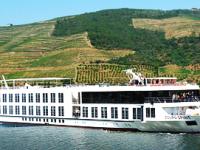 West Sea entrega primeiro navio-hotel à Douro Azul