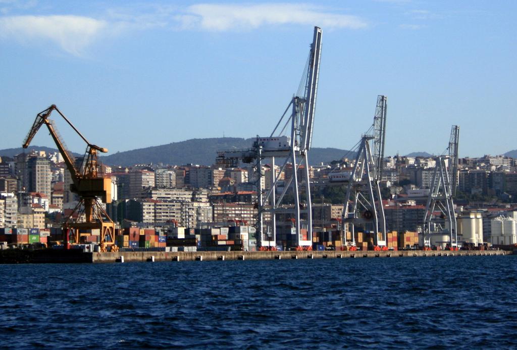 Acordo com a SAGEP garante postos de trabalho aos estivadores de Vigo