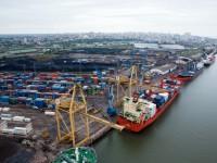 Dragagens ajudam porto de Maputo a crescer