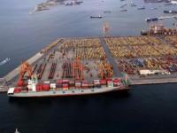 Grécia admite vender maioria nos portos do Pireu e de Salónica