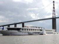 CroisiEurope lança navio-hotel com rodas de pás e 80 cm de calado