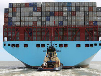 Maersk Line decide-se por dez navios de 20 000 TEU