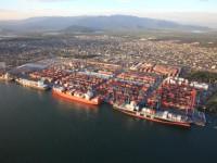 Desvalorização do real torna portos brasileiros mais apetecíveis
