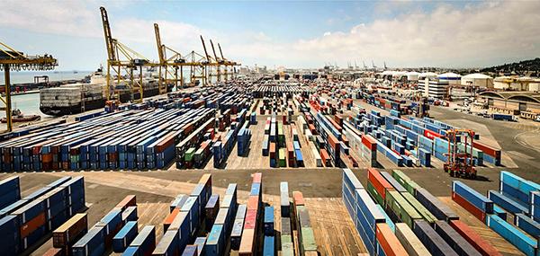 Portos espanhóis movimentaram 271,6 milhões de toneladas