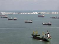 Alphaliner prevê aumento dos navios inactivos