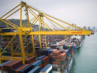 Konecranes e Terex criam líder mundial de equipamentos portuários