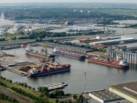Estado holandês estuda comprar participação no porto de Amsterdão