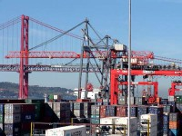 Operadores e estivadores de Lisboa aceitam negociar