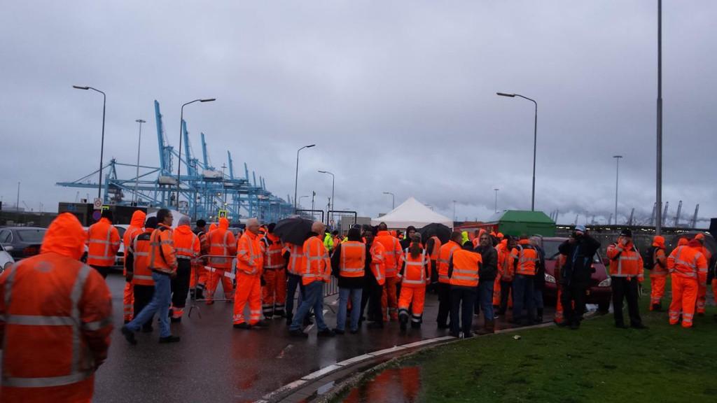Dockworkers-Strike-1024x576