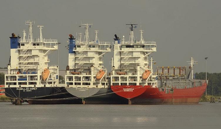 navios imobilizados