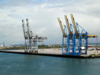 Thamesport reinventa-se como porto de carga fraccionada