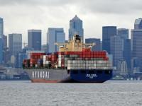 OOCL reduz oferta no Trans-Pacífico devido à descida dos fretes