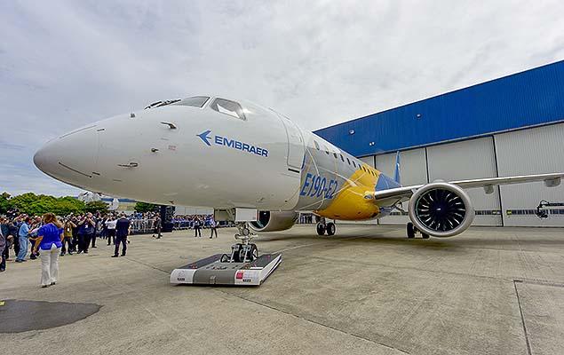 Boeing ficaria com 80% da produção de aviões comerciais da Embraer