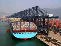 Felixstowe continua a investir para receber mega-navios