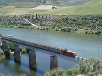 Autarcas pedem ferrovia de Leixões para Espanha
