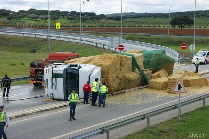 Camião-Acidente