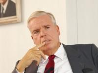 Kuehne aumenta participação na Hapag-Lloyd