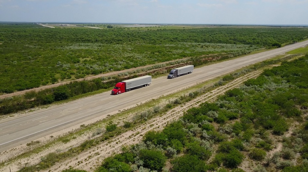 Daimler-Trucks-drives-digitally-connected-trucks-on-selected-highways-in-Oregon-and-Nevada_-Source-Daimler-AG