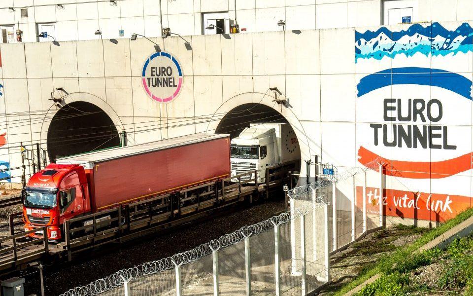 Tráfego de camiões no Eurotunnel estagnou em Setembro