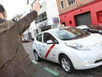 """Madrid responde às """"Uber"""" com táxis partilhados"""