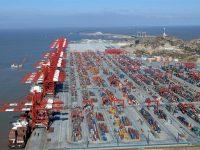 """""""Guerra comercial"""" penaliza portos chineses"""