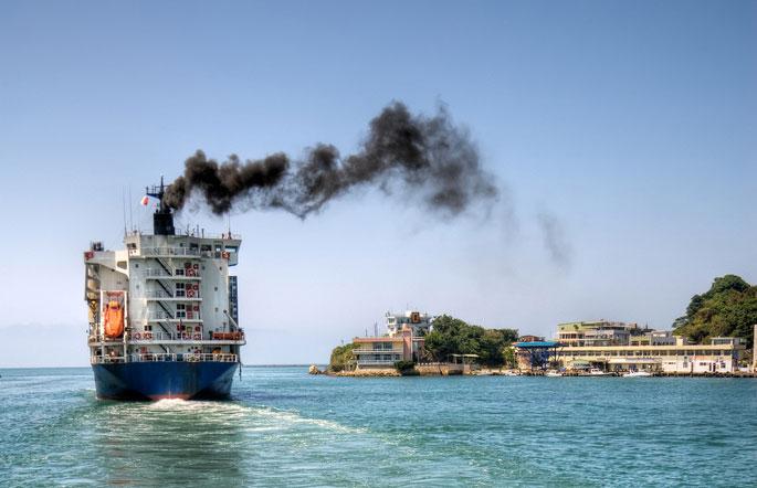 Lloyd's defende a mudanla de combustível para reduzir emissões de enxofre