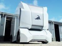 DB Schenker vai testar camiões eléctricos autónomos