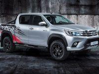Toyota Hilux alarga gama aos 50 anos