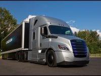 Penske e NFI testam Freightliner eléctricos da Daimler