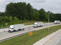 FedEx e Volvo Trucks testam platooning nos EUA