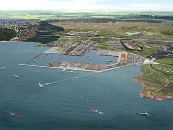 Angola vai avançar com um concurso público internacional para a concepção, construção, gestão e manutenção das instalaçõesdo novo porto da Barra do Dande, na província do Bengo, a Norte de Luanda.