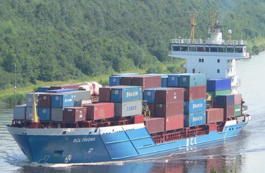 Arkon e mais cinco criam companhia para comercializar os seus navios