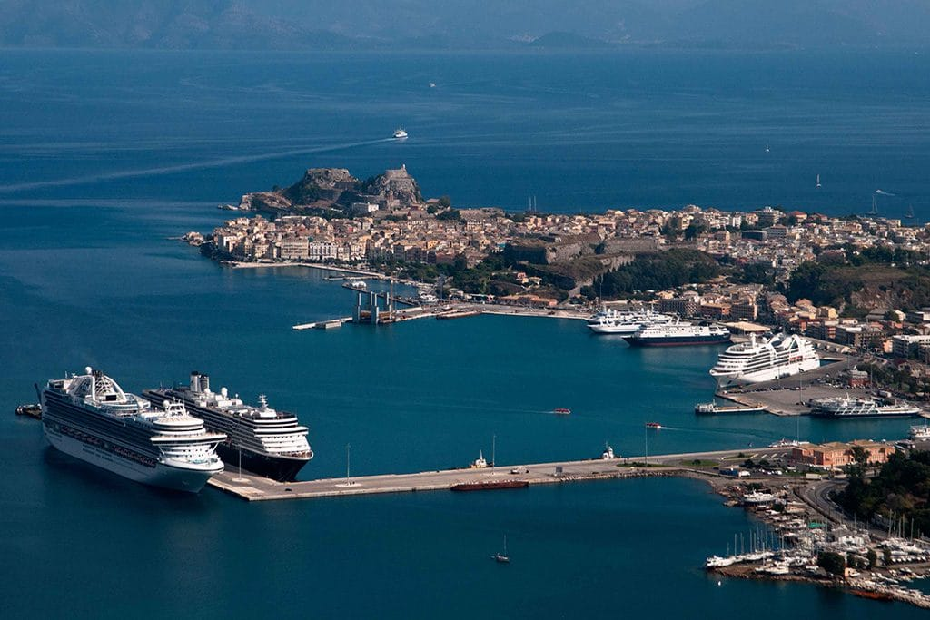 Grécia quer concessionar a privados mais dez portos