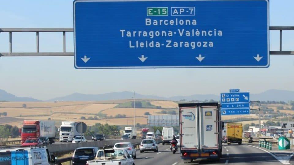 Espanha dá descontos aos camiões desviados para as auto-estradas