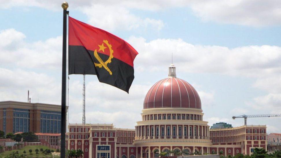Angola suspende contratos pela Covid-19 e pela depreciação do crude