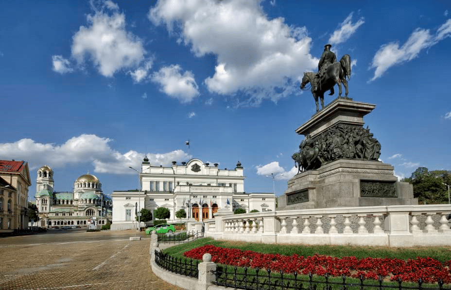 AEP levaiu quatro empresas à Bulgária