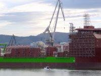Estaleiro La Naval procura investidor para evitar falência