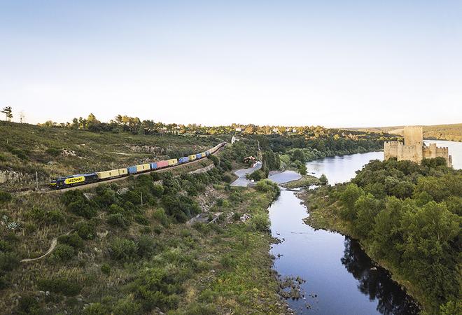 Medway liga portos de Sevilha e Valência