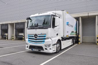 Mercedes coloca mais um eActros à prova