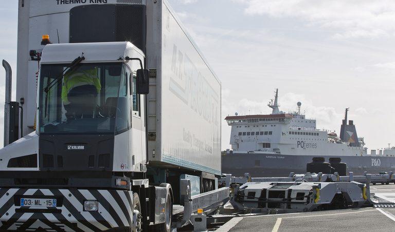 VIIA liga  Calais e Turim com extensão ao Reino Unido
