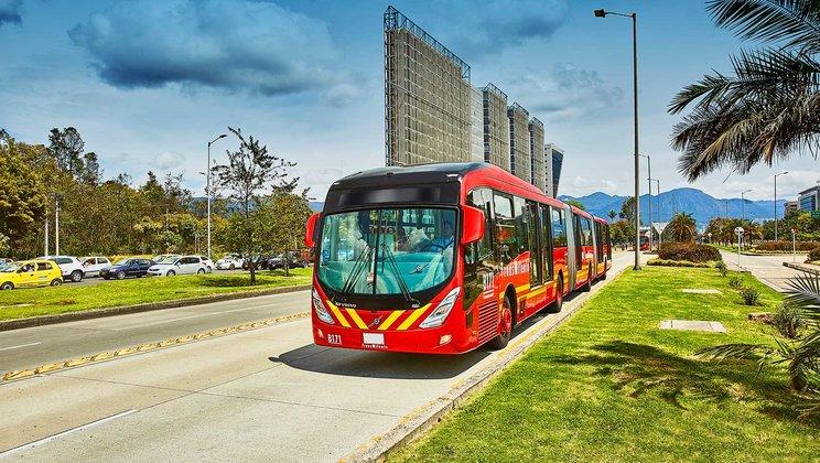 BRT de Bogotá renova e expande frota de autocarros
