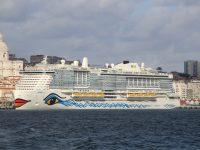 Lisboa recebeu primeiro navio de cruzeiros a GNL do mundo