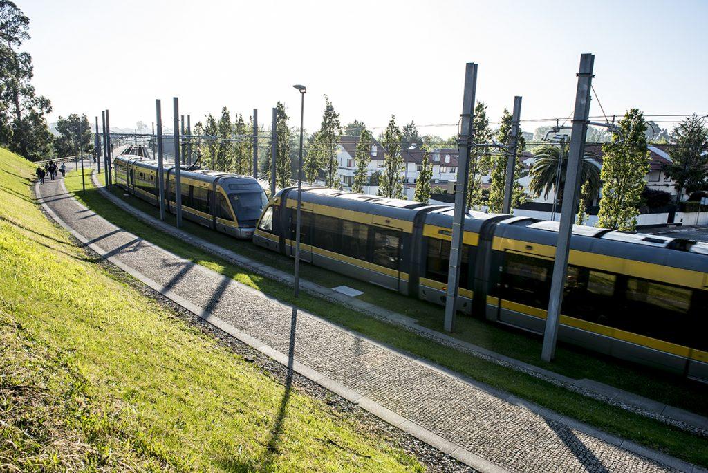 Metro do Porto lançou concurso para 18 veículos