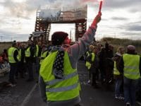 """""""Coletes amarelos"""" mantêm protestos em França"""