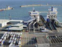 Hard Brexit arrisca bloquear os portos britânicos